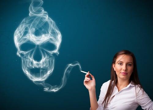 造成高血壓原因之一「香菸」中的尼古丁,更會促使血壓瞬間飆高;而這樣的血壓不正常波動