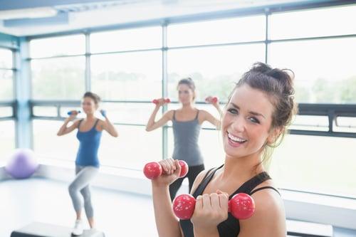 想運動但不想出門、也不想花大錢去健身房的朋友們,必看這篇!除了在家裡徒手訓練,還可以搭配這6種CP值超高的居家器材,把自己家裡打造成完美健身房。