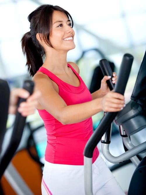 第一次上健身房的女孩,可以先從心肺器材開始運動。
