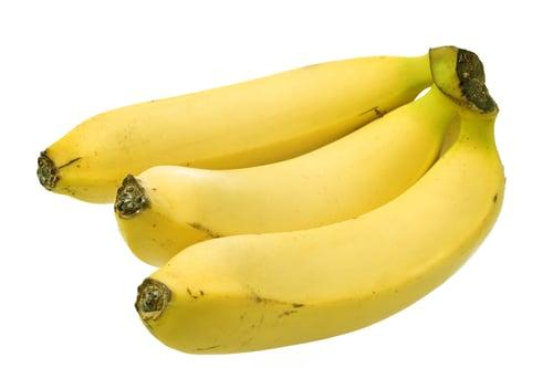 營養價值高的香蕉,含有豐富的膳食纖維,很適合跟無糖優酪乳搭配在一起,能夠幫助消化排便。