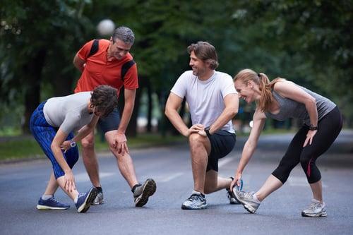 今天特別不想跑步,那就別硬ㄍㄧㄥ!逞強跑步只是在消磨你的心智,等你心情好、精神佳的時候,再回歸訓練就好。當然,也不能怠惰太久,假如真的很沒鬥志,可以約你的好朋友或是加入跑團,跟朋友一起跑會比較有動力,甚至跑得更遠。因為當你跟朋友落後一點時候,你會想努力追上,看著別人進步、自己也會想要跟上。而且有伴會鼓勵你、揪你出來跑步,更促使你達到運動目標。