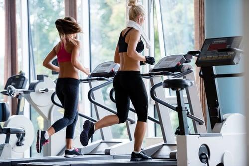跑步需要速度的改變!可以透過加速,增加跑步距離或者增加強度,刺激身體燃燒更多卡路里!
