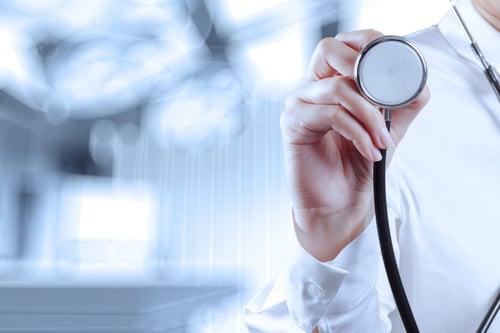 冬天是好發膽固醇飆高、心臟血管疾病的季節,尤其天冷血管收縮,心血管疾病患者人數大幅增加,門診人數、需要藥物治療的情形也變多