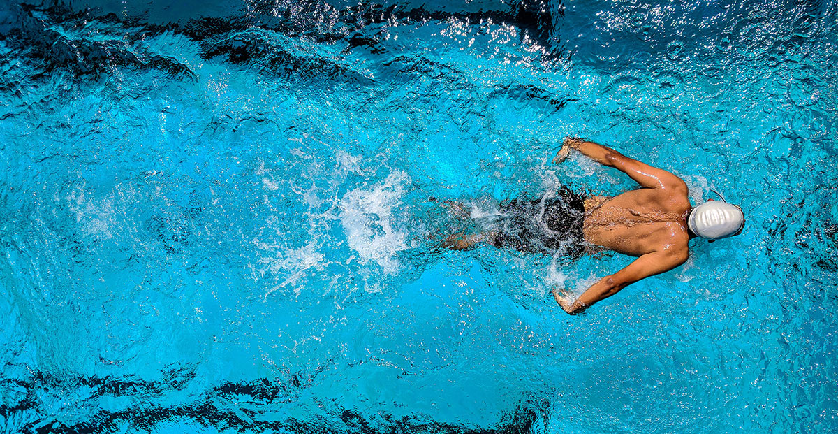 swimming-men-world-gym