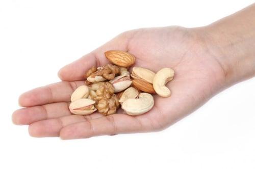 其他堅果類食物也要少吃:開心果、杏仁、核桃