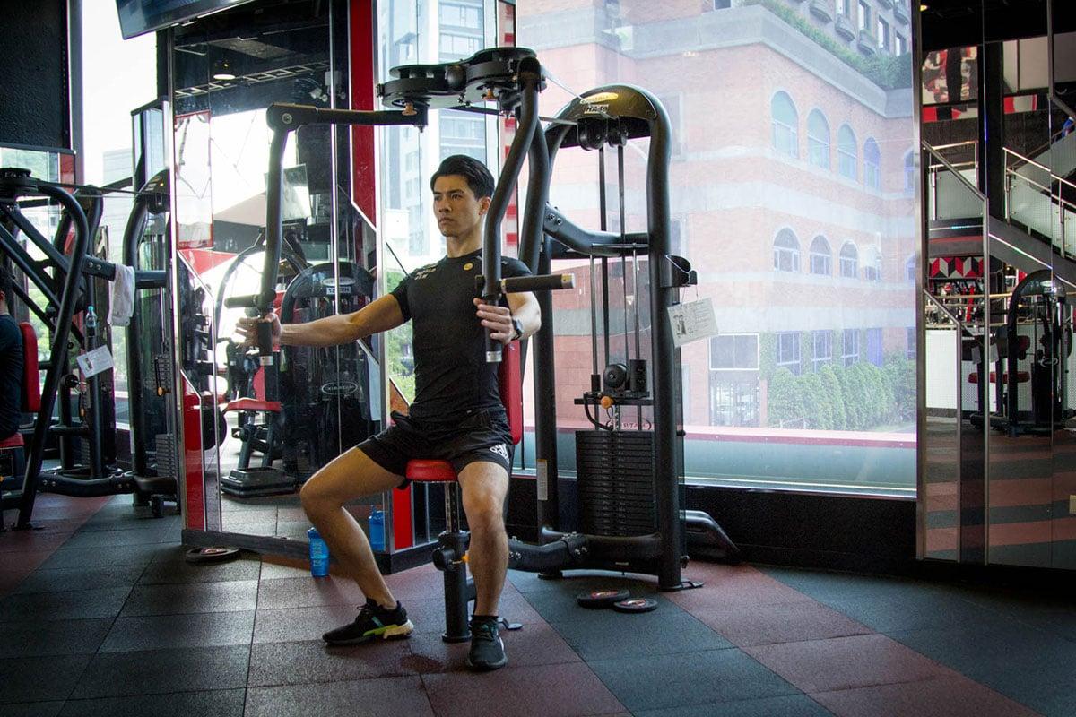heavy-training-world-gym-2
