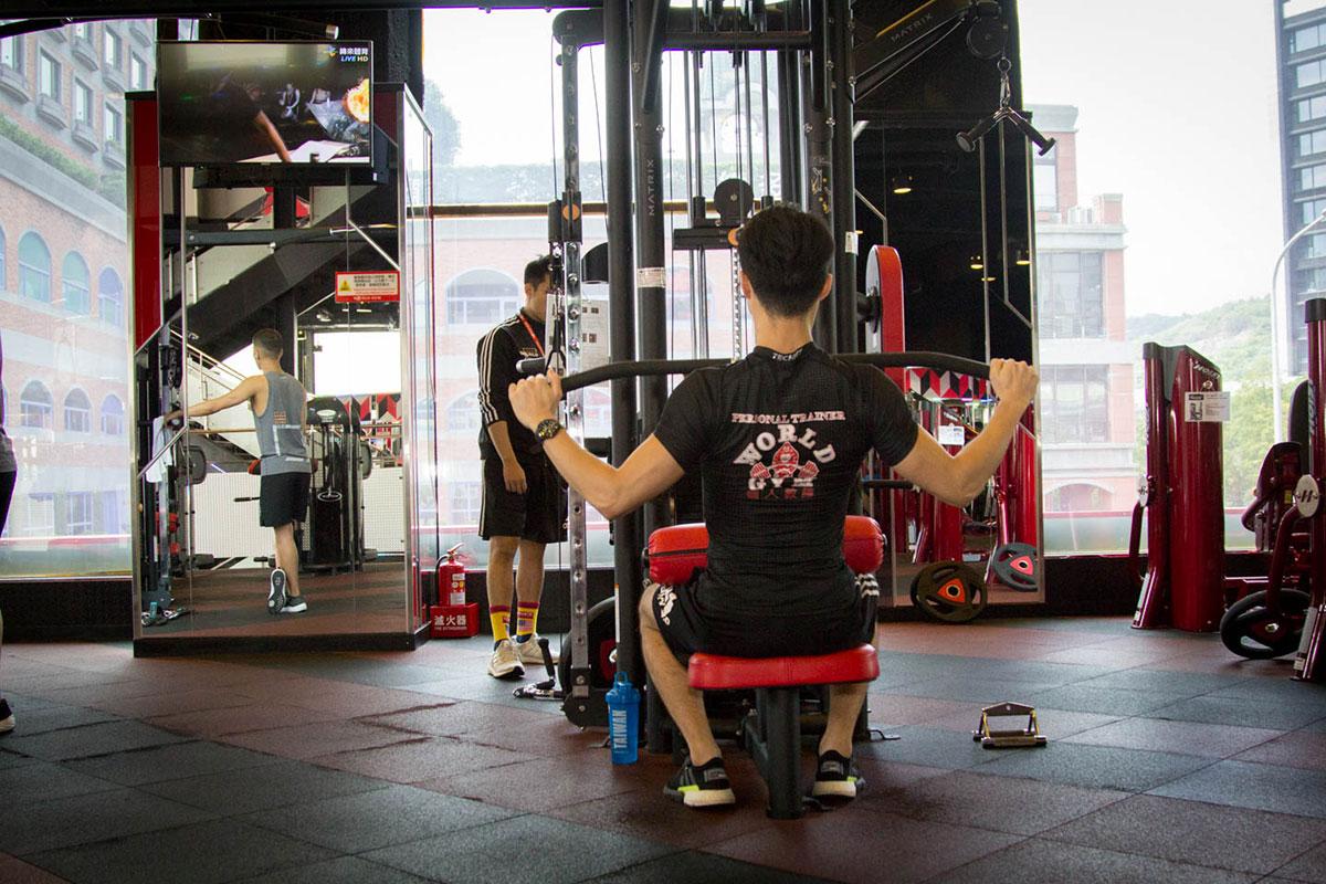 heavy-training-world-gym-5