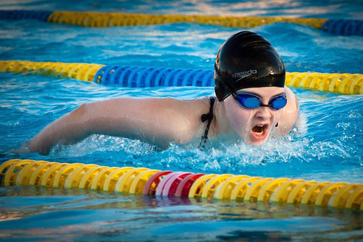 蛙式游泳有氧運動