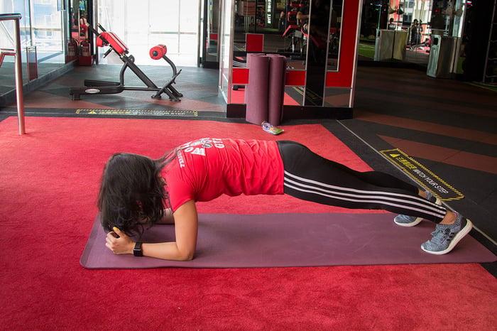 棒式 練腹肌 腹肌訓練