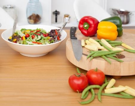 外型瘦長、嫩綠的四季豆,口感清脆、味道香甜,是台灣常見的家常料理。而四季豆的好,除了大眾化口味和價格親民,更有這9大食用功效,有助於降低肥胖、糖尿病、心臟病的風險,還能養顏美容!