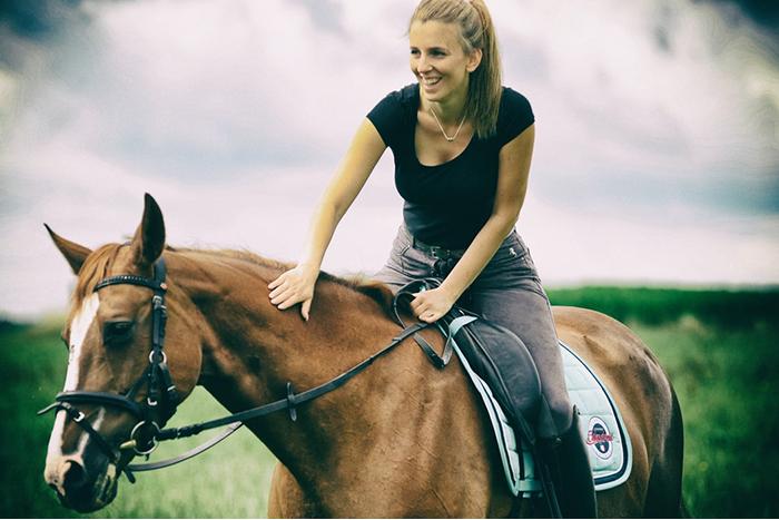 想學騎馬嗎?核心肌群越強越能享受馬術的樂趣!