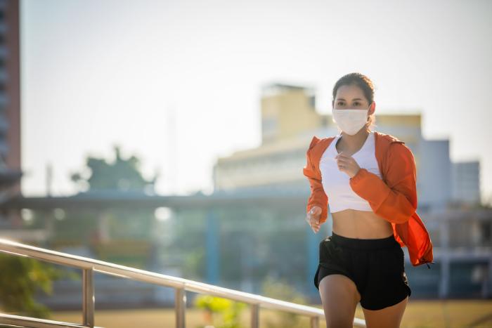戴口罩跑步安全嗎?做到3件事防疫力、運動量都兼顧
