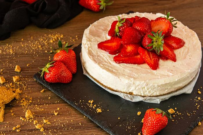 草莓季來嚕~熱量表告訴你吃一份草莓甜點要還多少債