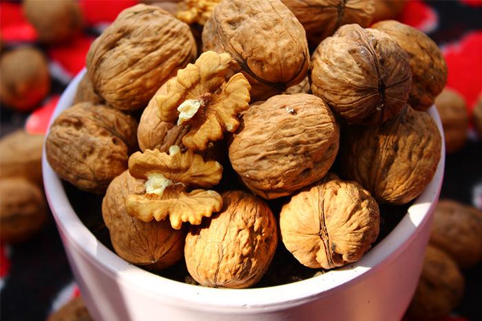 核桃脂肪含量高達70%!吃這個量和進食時間最好