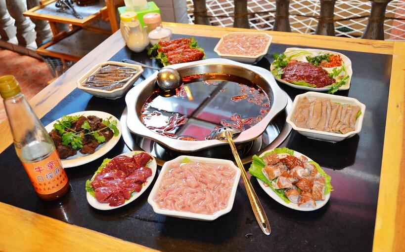 大口吃肉、大口喝酒,或是冬天圍在一起吃火鍋,真的痛快!但滿足了口腹之慾,卻埋下了膽固醇飆高的發生危機。