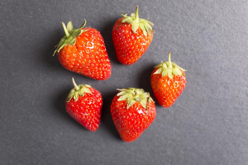草莓季,快把握,因為這酸甜滋味,富含高纖維、花青素,低卡助消化,吃對了、還能瘦!