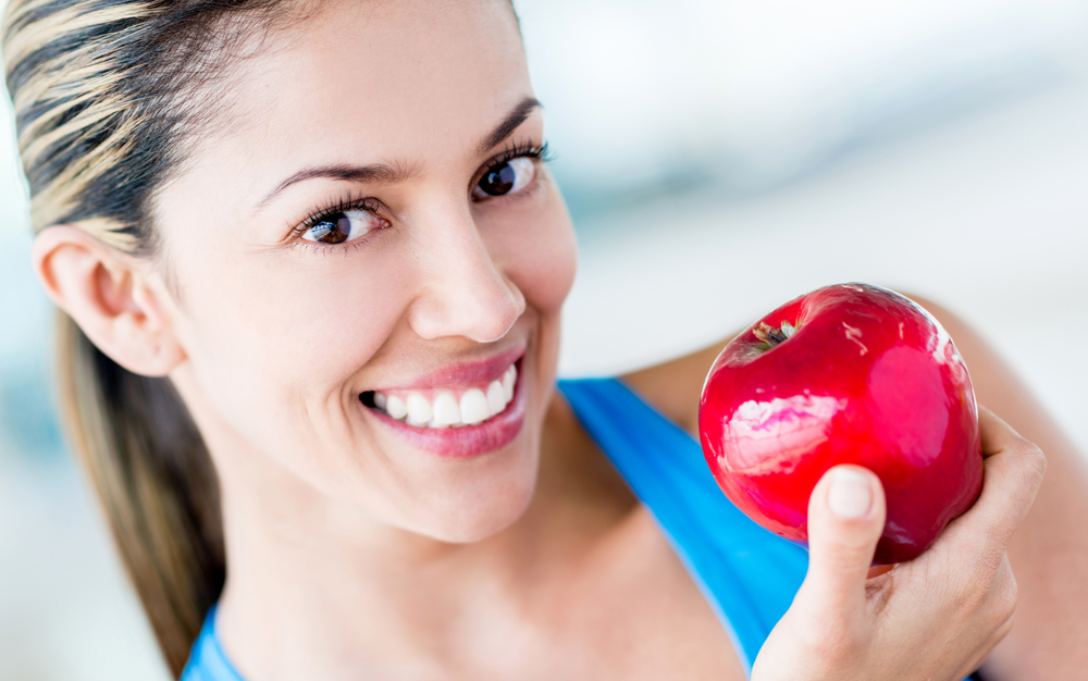 Healthy eating woman dieting for the gym-1